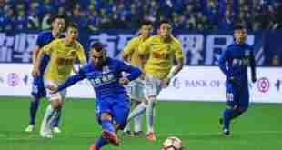 Primo gol per Carlos Tévez con la maglia dello Shanghai Shenua.